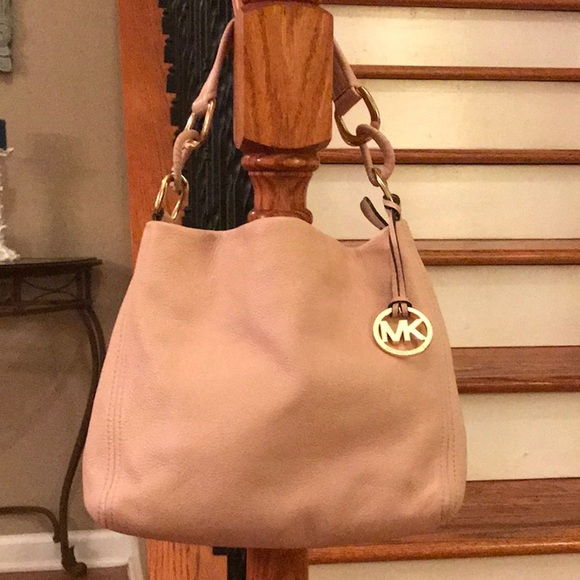 Michael Kors Handbags - 🤩 Michael Kors Lily leather Shoulder Tote/hobo🤩